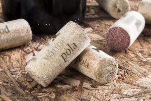 Jaką funkcję pełni wino w restauracji?
